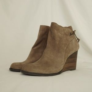 Lucky Brand Women's Beige Heel Wedges with Bow